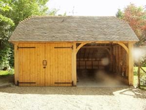 Oak framed garage in Sharpthorne